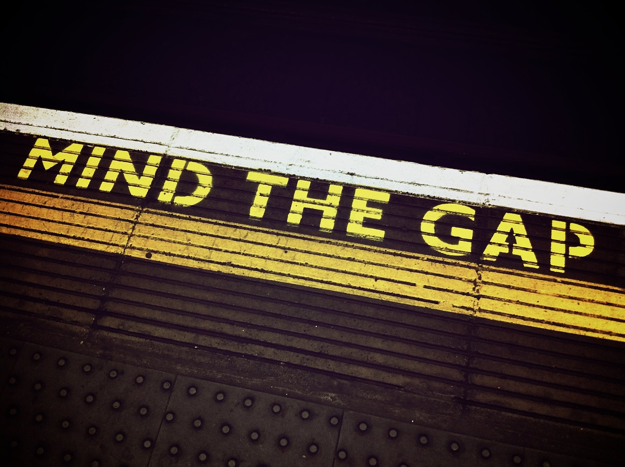 Using Content to Bridge the Gap Between Sales and Marketing