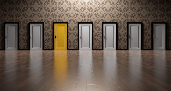 choice between 7 different doors - content marketing agency selection