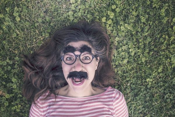 how to use humor content marketing
